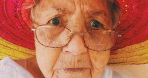 Büyükanne Maaşına Kimler Başvurabilir